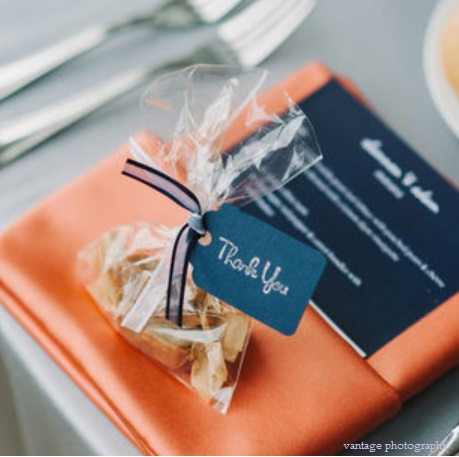 wedding favors with tag