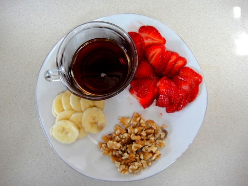 Maple syrup, bananas, strawberries and walnuts
