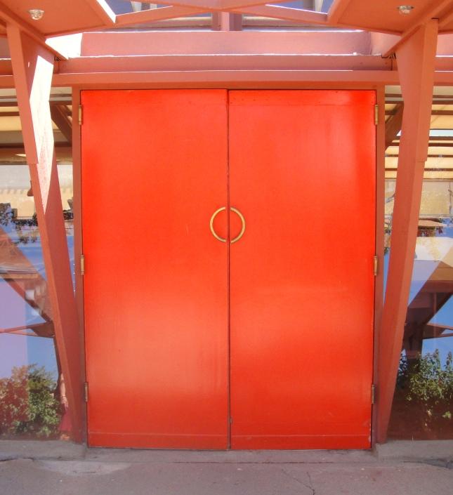 cherokee red door